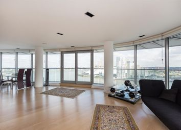 Thumbnail 3 bed flat to rent in New Providence Wharf, Fairmont Avenue, Blackwall