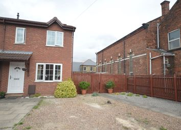 2 bed property for sale in Highfield Rise, Wakefield WF2