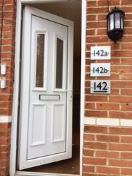 Thumbnail 1 bed flat to rent in Robin Hood Road, Knaphill, Knaphill, Woking