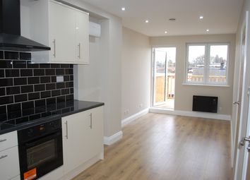 Thumbnail 1 bed flat to rent in 121 Fonthill Road, Finsbury Park