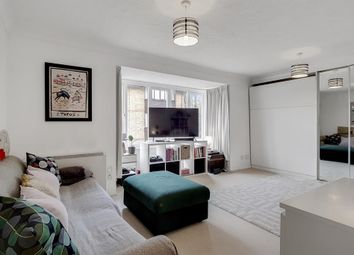 Thumbnail 1 bedroom flat for sale in Linwood Close, London