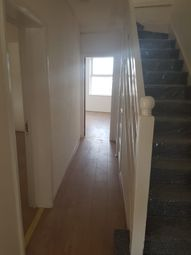 4 bed flat to rent in Kendal Parade, Silver Street, London N18