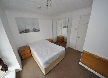 Gatcombe Road, Royal Docks, London E16. Room to rent