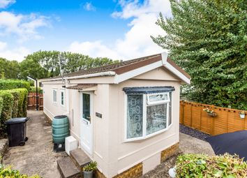 Thumbnail 1 bedroom mobile/park home for sale in Barrow Road, Harwell, Didcot