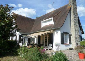 Thumbnail 4 bed town house for sale in Place De La Gare, 53000 Laval, France