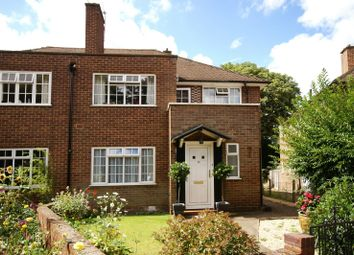 Thumbnail 2 bed flat to rent in Linden Close, Thames Ditton