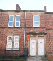 Thumbnail 2 bed flat to rent in Chandos Street, Gateshead