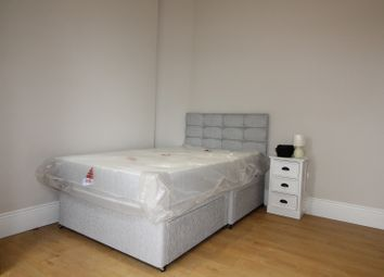 Thumbnail Studio to rent in Eastern Road, London