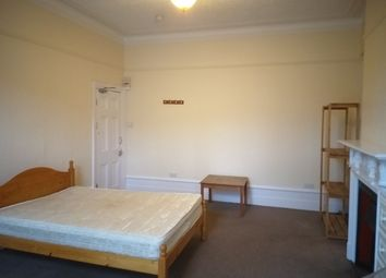 Room to rent in Dukes Avenue, London N10