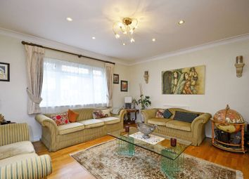 Thumbnail 4 bed property to rent in Laurel Way, Finchley