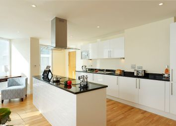 Thumbnail 2 bed flat to rent in Garford Street, London
