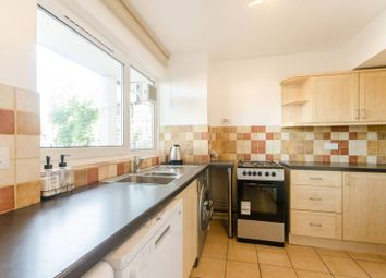 3 bed maisonette to rent in St James' Crescent, Brixton SW9
