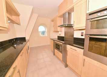 Thumbnail 2 bed flat to rent in Holmesdale Road, Teddington