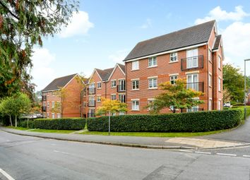Thumbnail 2 bed flat to rent in Eothen Close, Caterham
