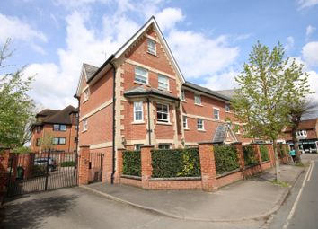 The Wheatsheaf, Hamilton Avenue, Henley-On-Thames RG9. 2 bed flat