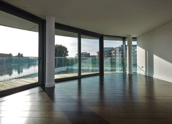 3 bed flat for sale in Goldhurst House, Parr's Way, Fulham Reach, London W6
