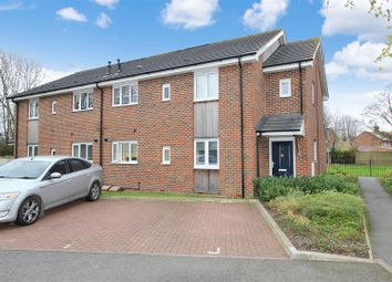 Thumbnail 2 bed flat for sale in Eden Drive, Adeyfield, Hemel Hempstead, Hertfordshire