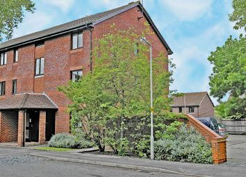 Thumbnail 1 bed flat to rent in Worcester Drive, Didcot, Oxfordshire, Oxon