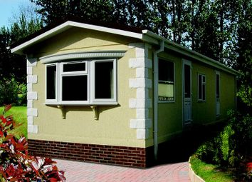 Thumbnail 2 bed mobile/park home for sale in Willows Riverside, Maidenhead Road, Windsor