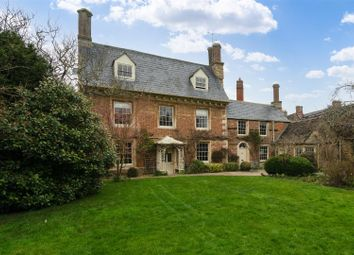 Market Square, Lechlade, Gloucestershire GL7. 5 bed detached house for sale