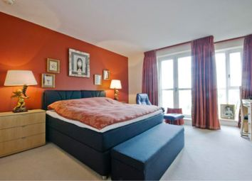 Thumbnail 2 bed flat to rent in Canary Riverside, Canary Wharf