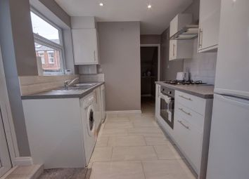 Thumbnail 2 bed flat to rent in Kelvin Grove, Sandyford, Newcastle Upon Tyne