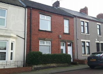 Thumbnail 2 bedroom flat to rent in Queen Victoria Street, Pelaw, Gateshead