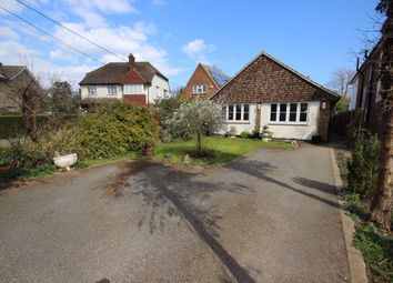 Thumbnail 2 bed flat to rent in Rosslyn Road, Billericay