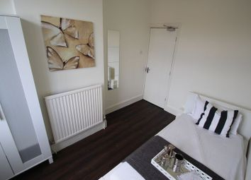 Thumbnail 6 bed shared accommodation to rent in Allen Road, Abington, Northampton
