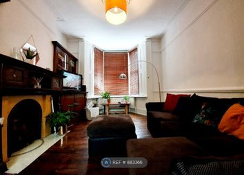 Room to rent in Roden Street, London N7