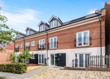 Thumbnail 2 bed flat to rent in Weatherill Close, Guildford