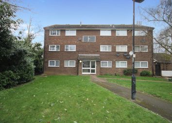 2 bed flat to rent in Hazelmere Close, Northolt UB5