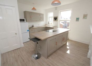 Thumbnail 6 bed flat for sale in Trafalgar Square, Scarborough
