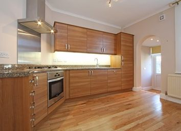 2 bed maisonette to rent in Idlecombe Road, Tooting SW17