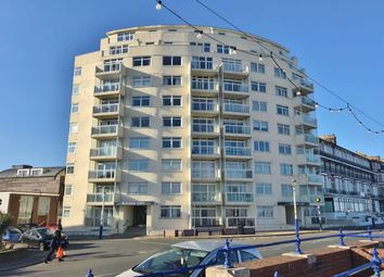 2 bed flat to rent in Royal Parade, Eastbourne BN22