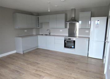 2 bed flat to rent in Great North Road, Hatfield AL9