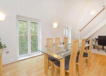 Thumbnail 2 bed flat to rent in Owen Street, Angel