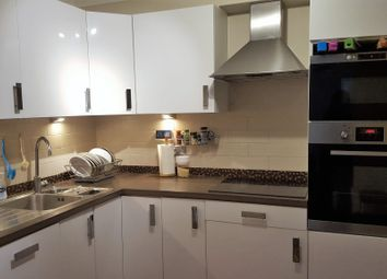 Thumbnail 3 bedroom flat to rent in Lansdowne Road, Purley
