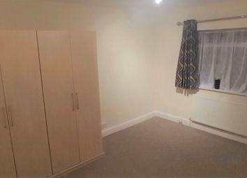 Thumbnail Room to rent in The Chase, Watford