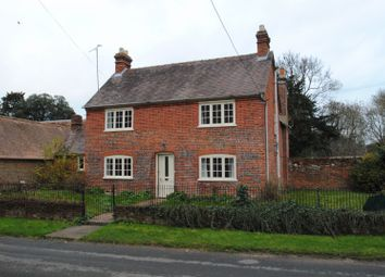 3 bed detached house to rent in Castle Road, Shirburn, Watlington OX49