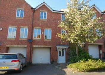 Thumbnail 3 bed town house to rent in Oakwood Road, Leicester