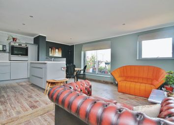 Thumbnail 3 bed flat for sale in Top Floor Apartment, Virginia Quays, London