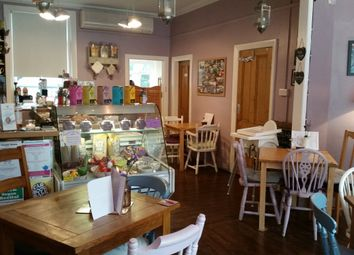 Thumbnail Restaurant/cafe for sale in Cafe & Sandwich Bars LS29, Ben Rhydding, West Yorkshire
