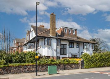 Great North Road, Highgate, London N6. 3 bed flat for sale