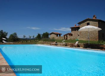 Thumbnail 4 bed villa for sale in Siena, Tuscany, Italy
