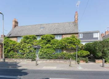 Thumbnail 3 bed cottage for sale in Lechlade Road, Faringdon