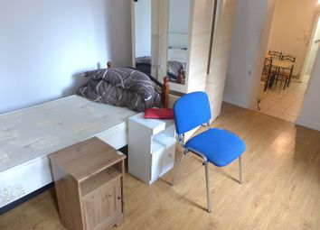 Thumbnail Studio to rent in Knights Hill, London