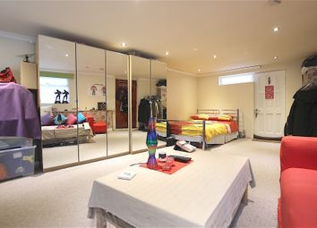 Thumbnail Studio to rent in Roedean Ave, Enfield