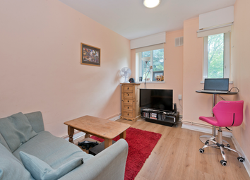 Betchworth House, Hilldrop Estate, Holloway, London N7. 3 bed flat for sale