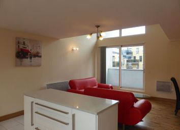 Thumbnail 3 bed flat to rent in Fleet Street, Brighton